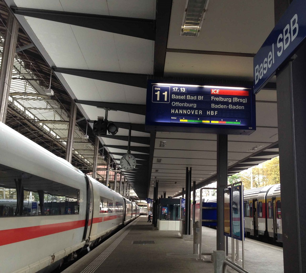 Departure of ICE from Basel SBB for Hannover