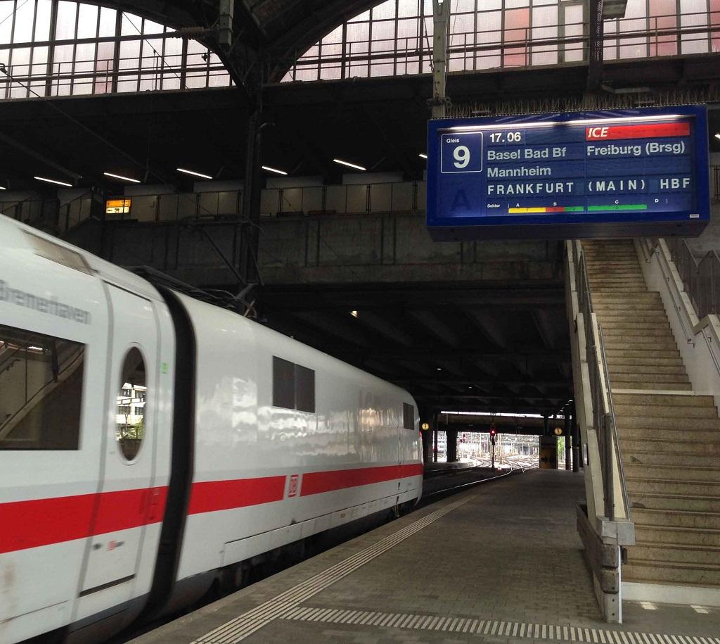 Abfahrt nach Frankfurt in Basel SBB
