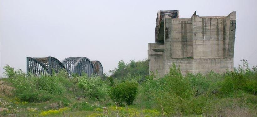 2010 04 25 bridges over the Argeş near Grădiştea