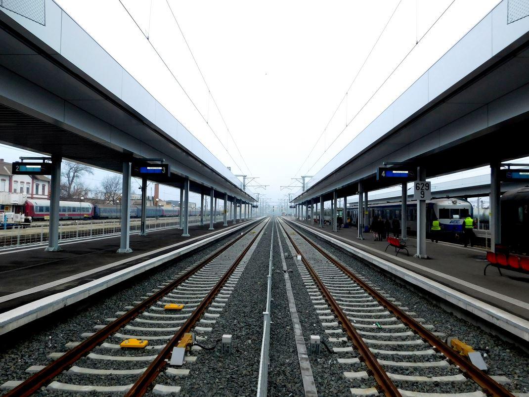 2015 12 rebuilt Arad station